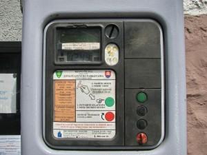 Obr. 1 Príklad automatu na platenie parkovného, Zdroj: http://zilina-gallery.sk/picture.php?/30165/category/289