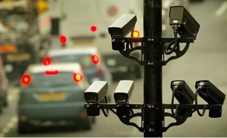 Obr. 5 Príklad nasadenia technológie ANPR v Londýne, Zdroj: http://www.theguardian.com/uk/2008/sep/15/civilliberties.police, http://www.247cctv.co.uk/cctv