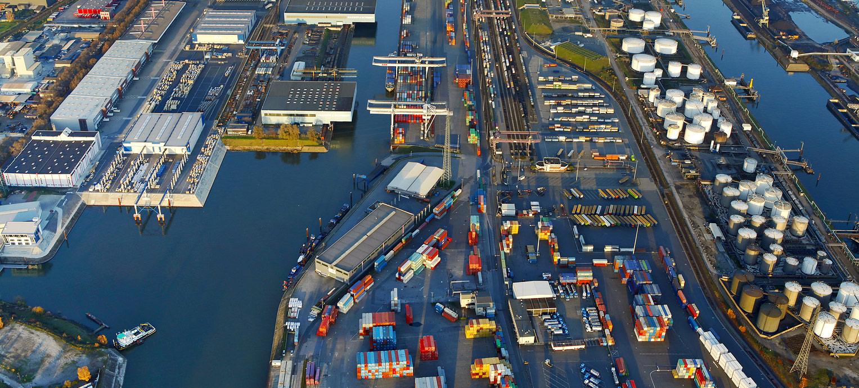Obr. 2: Prístav Duisburg Zdroj: http://www.duisport.de