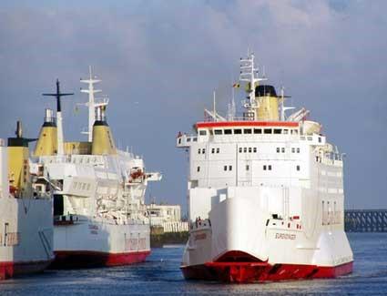 Obr. 4: Prievozná loď M/V Eurovoyager Zdroj: http://voyager.voyagesofdiscovery.co.uk/