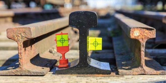 Obr. č. 3 Miesta upevnenia vysoko reflexných prvkov na železničnej infraštruktúre. Zdroj: spracované autormi podľa [10]
