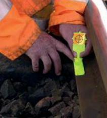 Obr. č. 4 Aplikácia vysoko reflexných prvkov na železničnú infraštruktúru. Zdroj: spracované autormi podľa [10]