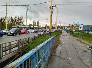 Medvid - Obr. 5. Dopravná kongescia v rannej špičke na Hlinkovej ulici